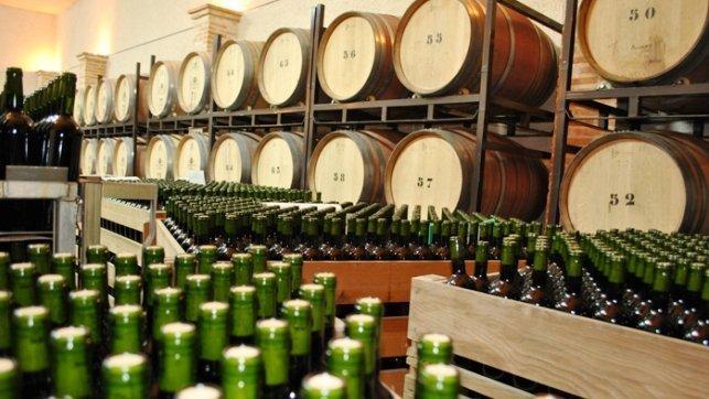 Cooperativas pide una destilación de crisis de 6 millones de hectolitros de vino