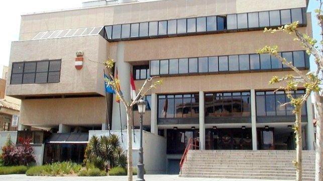 Puertollano aprueba la Ordenanza de Convivencia, que incluye la prohibición del botellón