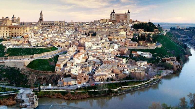 Toledo encenderá su alumbrado navideño homenajeando al personal sanitario
