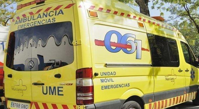 Muere un hombre tras chocar el coche que iba conduciendo contra un poste de la luz