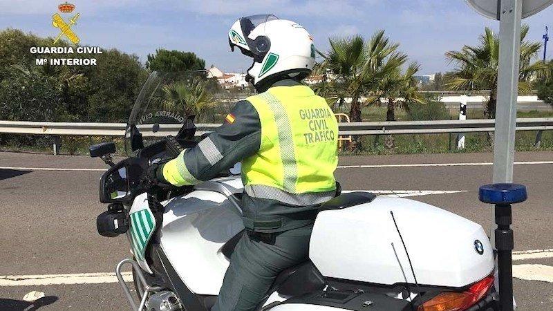 Investigado el conductor de un quad que alcanzó a una moto hiriendo al conductor