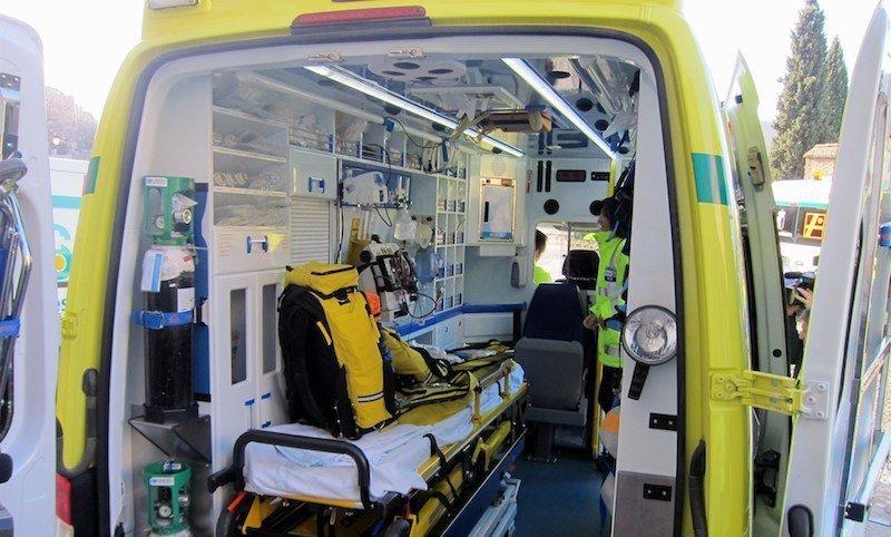Fallece una joven de unos 30 años tras sufrir una caída y golpearse en la cabeza