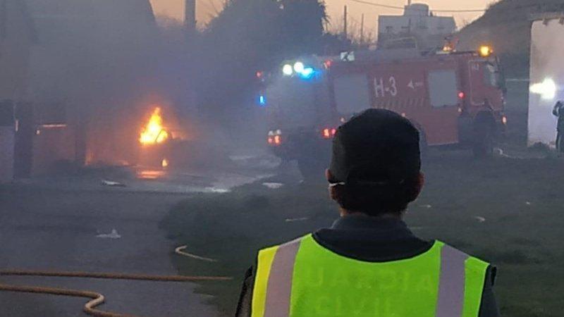Hallan calcinados los cadáveres de dos personas en el incendio de una casa de chapa