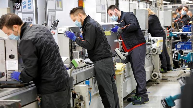 El salario medio de un empleado en CLM es de 21.648 euros, según un informe