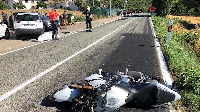Fallece un hombre tras colisionar la moto que conducía con un turismo en la N-II