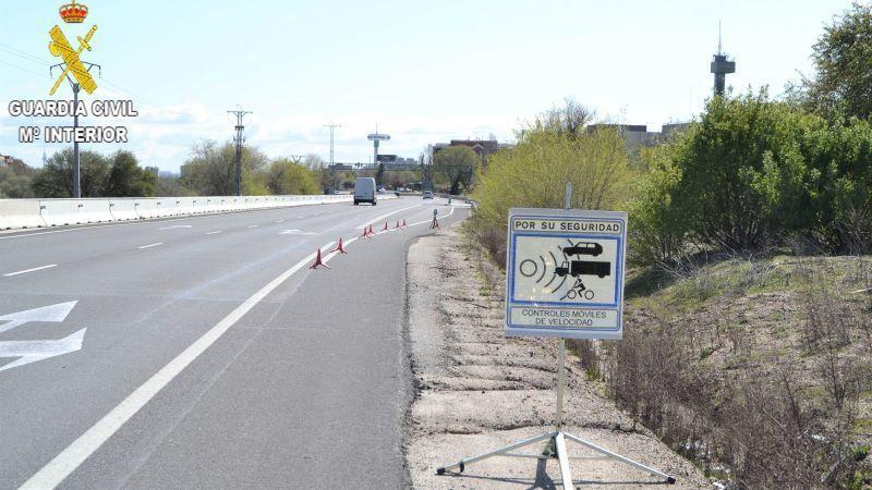 Investigan a un conductor que circulaba a 204 kilómetros por hora en la N-403