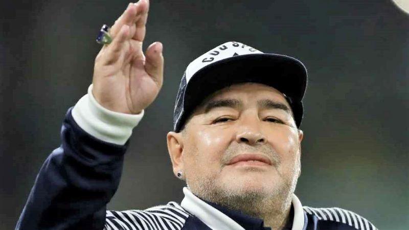 Muere Diego Armando Maradona a los 60 años tras sufrir un infarto en su vivienda
