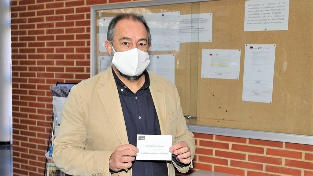 Garde se impone en las elecciones de la UCLM, desbanca a Collado y será el nuevo rector