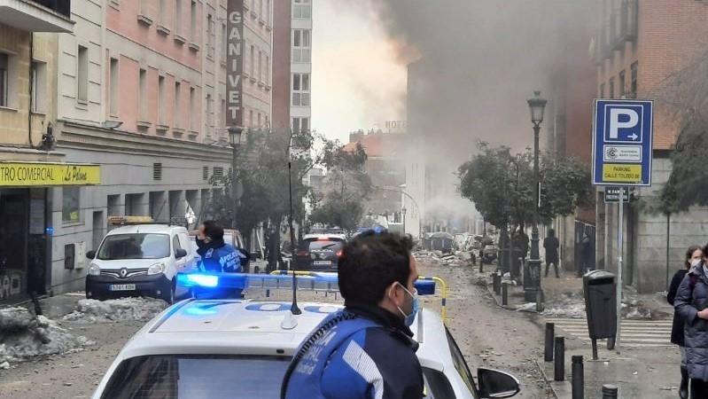 Muere el sacerdote herido en la explosión de un edificio en Madrid, cuarta víctima mortal