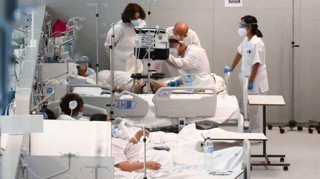 Una médica destapa lo que esconde el Zendal para explicar por qué los sanitarios no quieren ir