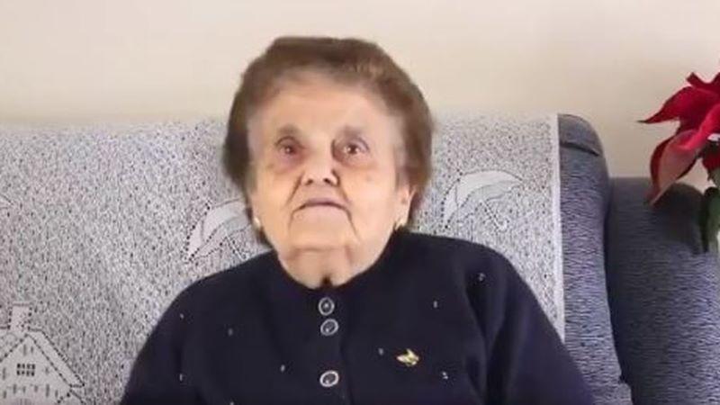 La abuela Rosario se vuelve viral tras destrozar a un 'youtuber' que se mete con su tierra