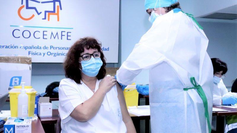 Cocemfe exige prioridad para las personas con discapacidad en la vacuna anticovid