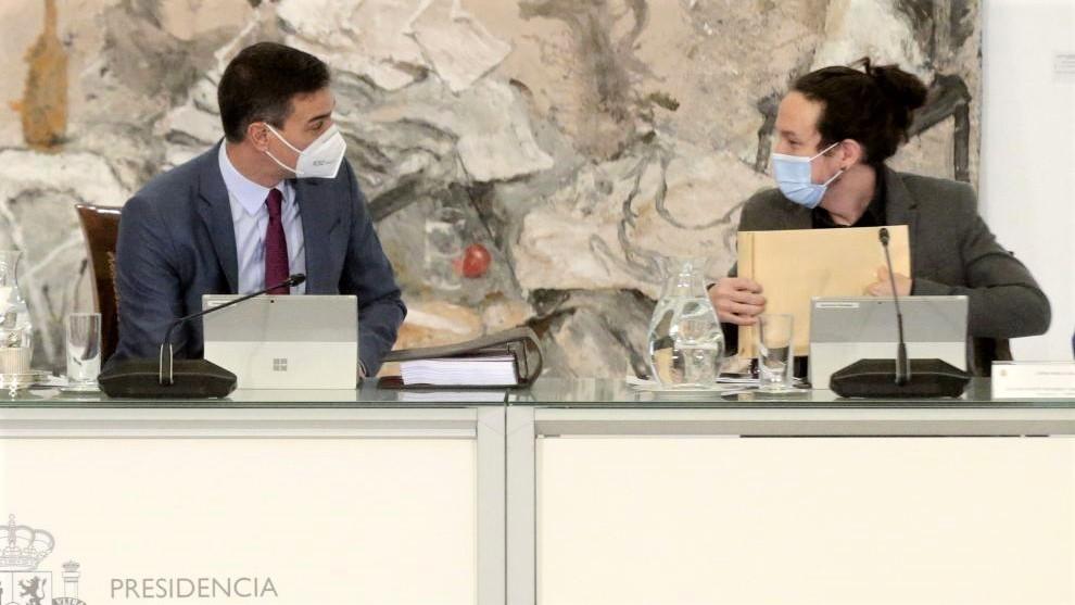 El PSOE y Podemos acentúan sus diferencias a las puertas de las catalanas