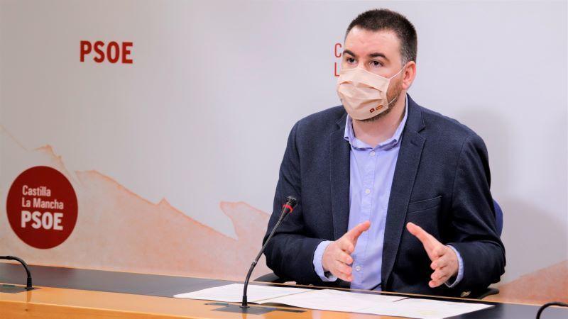 PSOE se fija en el descenso trimestral del paro, pero reconoce aumento del anual