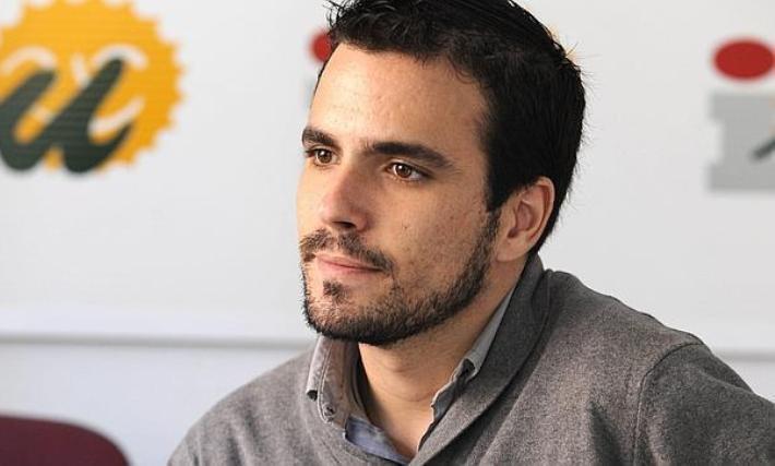 El diputado nacional de IU, Alberto Garzón, participó en un acto político celebrado en la plaza de Santo Domingo, de Guadalajara