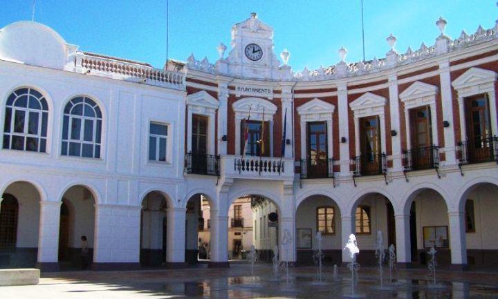 Ayuntamiento de Manzanares ayudará con 15.000 euros a la compra de libros y material escolar