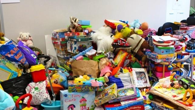 Correos recoge juguetes en 131 oficinas de clm en for Oficina correos albacete
