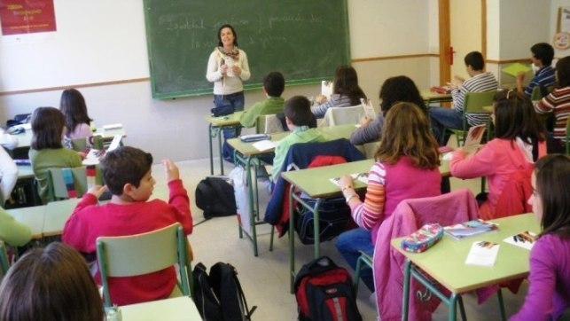 El 75% del profesorado rechaza el proyecto de bilingüismo de Educación, según una encuesta de STE-CLM