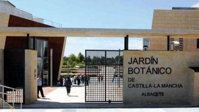 Uclm y fundaci n jard n bot nico estrechan lazos de for Jardin botanico castilla la mancha