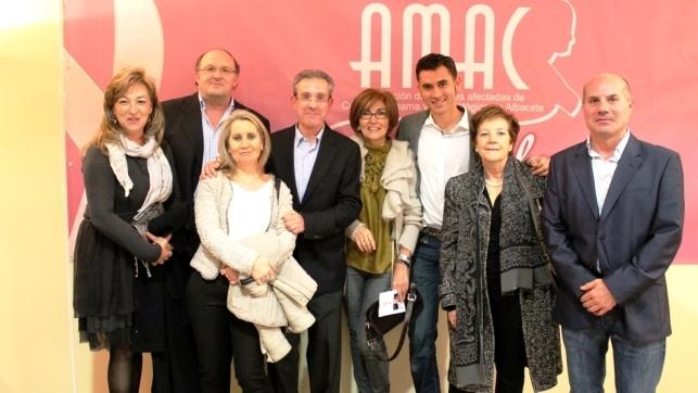 La Unidad de Mama del Área Integrada Sanitaria de Albacete ha recibido el premio Pentesilea por su labor. En la imagen los profesionales de la Unidad