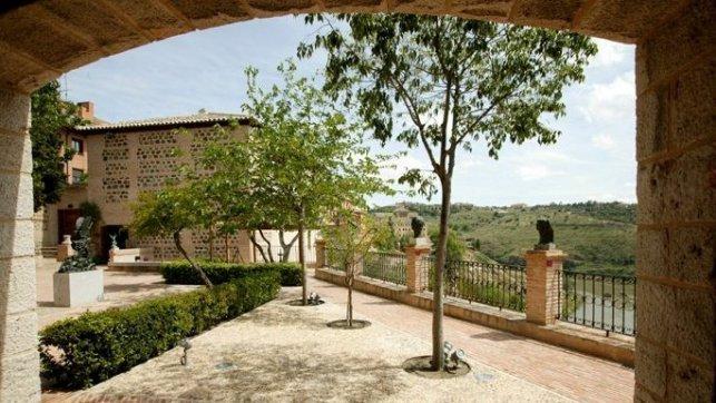 Los jardines de roca tarpeya y el museo victorio macho for Roca toledo