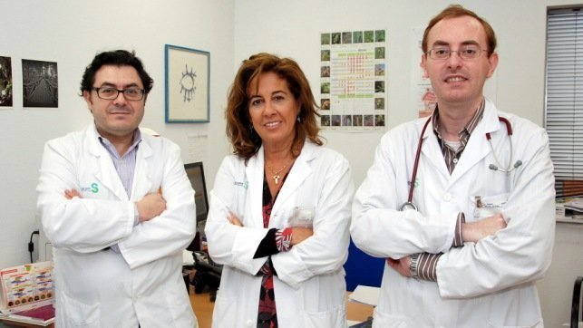 En la imgen los doctores del servicio de Alergología del Hospital de Talavera de la Reina, Jesús Jurado-Palomo, Carmen Panizo y Álvaro Moreno