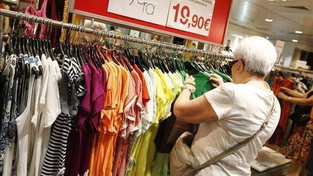 Los precios bajan un 1% en julio en CLM y la tasa interanual desciende un 0,8%