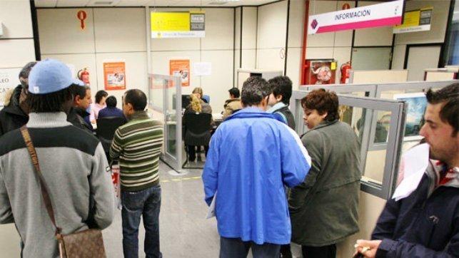 Contratos indefinidos a mayores de 45 a os en clm alcanzan for Oficinas randstad madrid