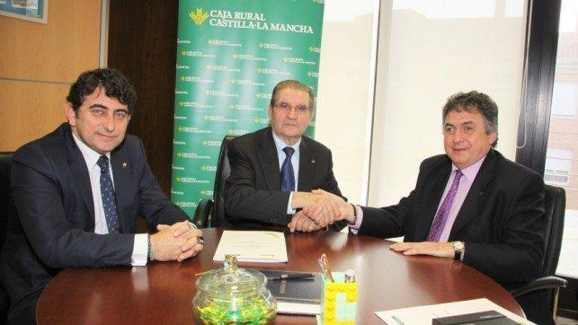 Caja rural clm renueva convenio con la once para abrir sus for Caja rural de toledo oficinas