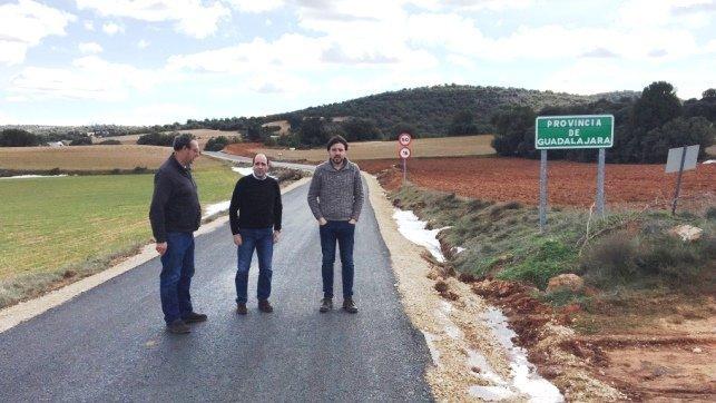 Diputaci n guadalajara termina el arreglo de la carretera for Villel de mesa