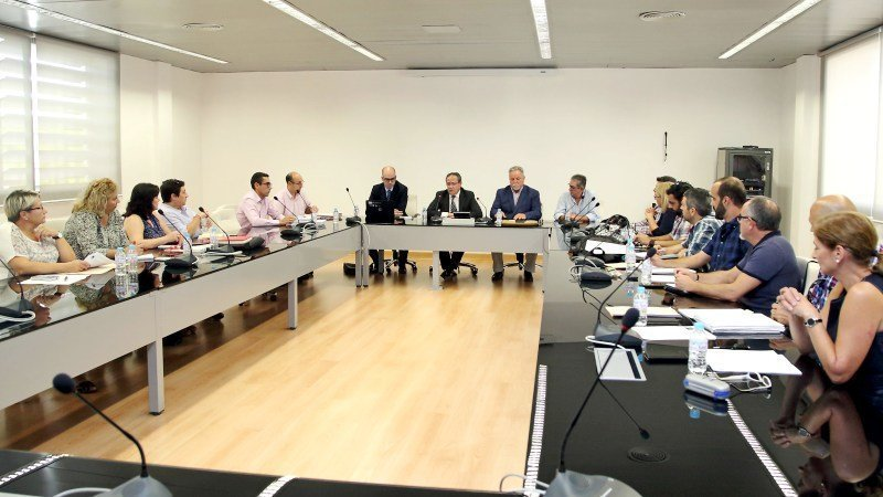 Csif pide a junta que convoque la mesa general y sectorial for Mesa funcion publica