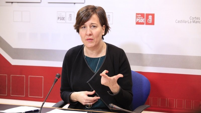 La portavoz del PSOE en las Cortes de Castilla-La Mancha, Blanca Fernández, en una imagen de archivo en rueda de prensa