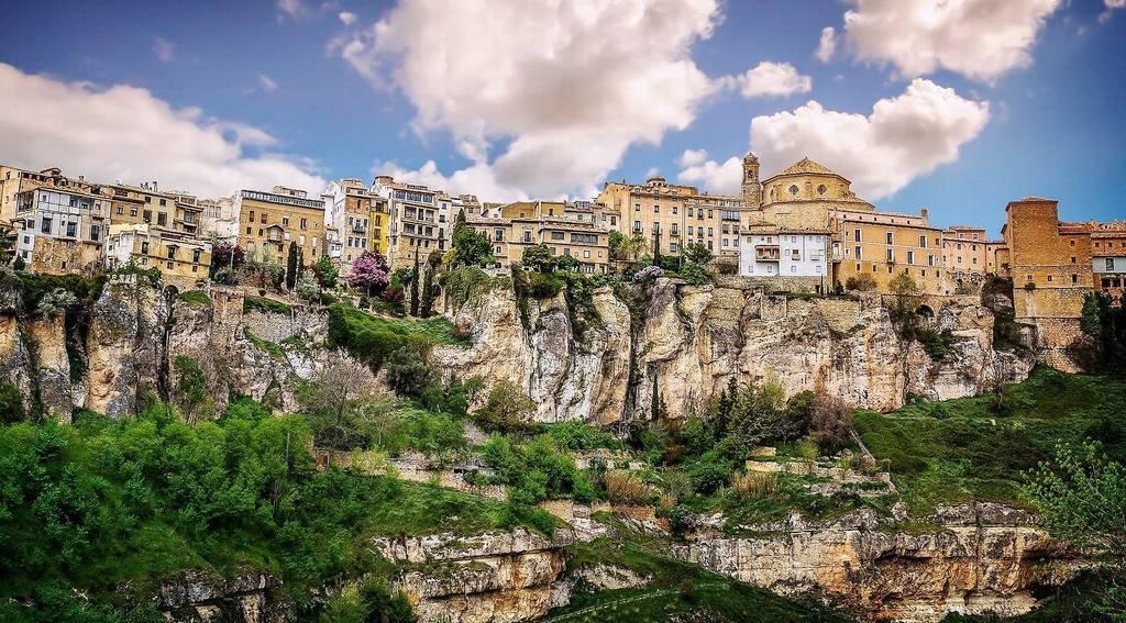 La ciudad de Cuenca fue fundada entre los años 950 y 1032, según las últimas evidencias