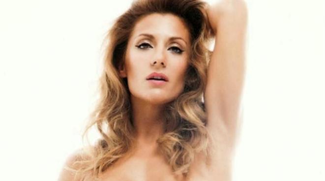 Nagore Robles Regala Un Desnudo Integral A Sandra Barneda