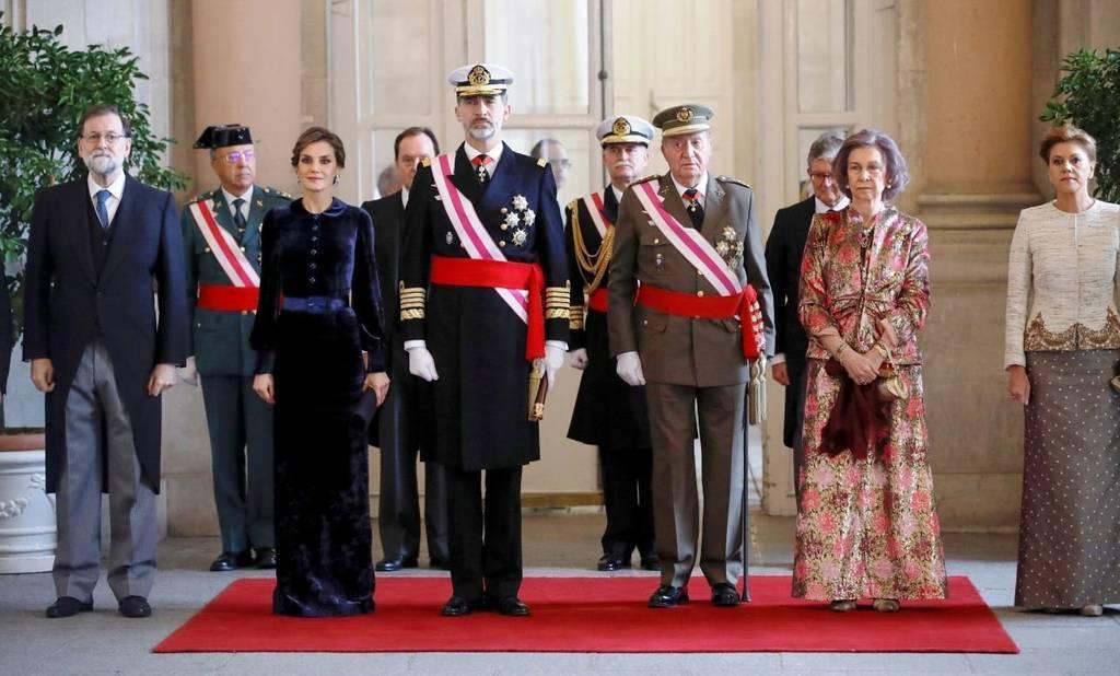 Felipe VI homenajea en la Pascua Militar al Rey Juan Carlos por su servicio leal a España