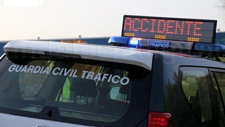 Un muerto tras el choque de un coche que circulaba en sentido contrario y un camión