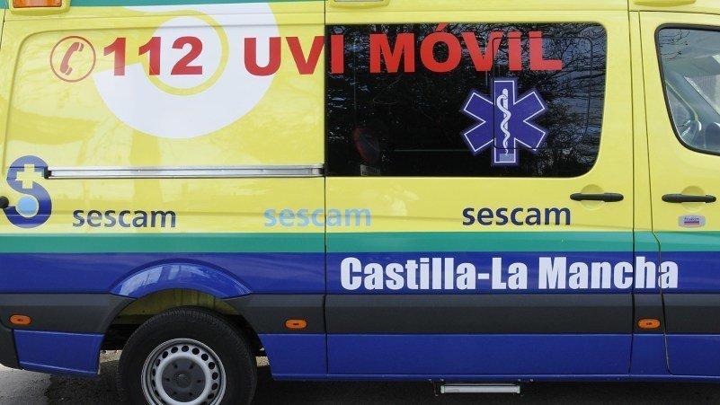Muere un hombre al salirse de la carretera el coche que conducía en Ocaña
