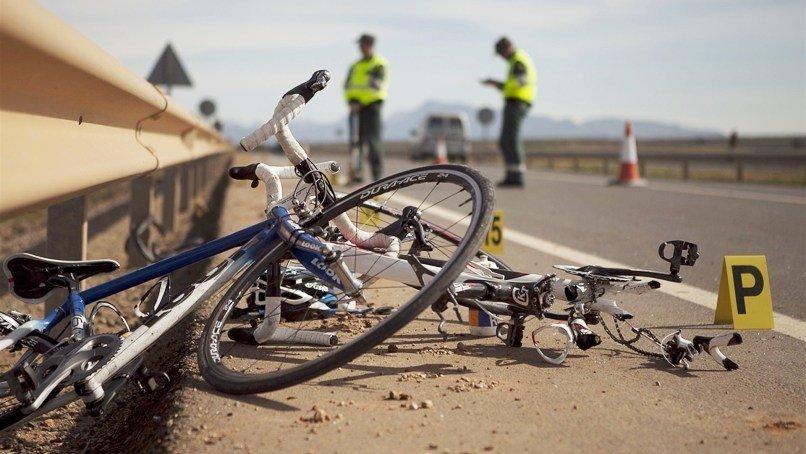 Fallece un ciclista tras un grave accidente de tráfico cuando hacía una ruta