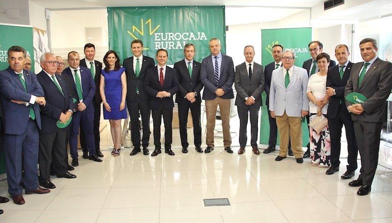 Eurocaja rural inaugura su primera oficina en alicante for Oficinas bankia alicante