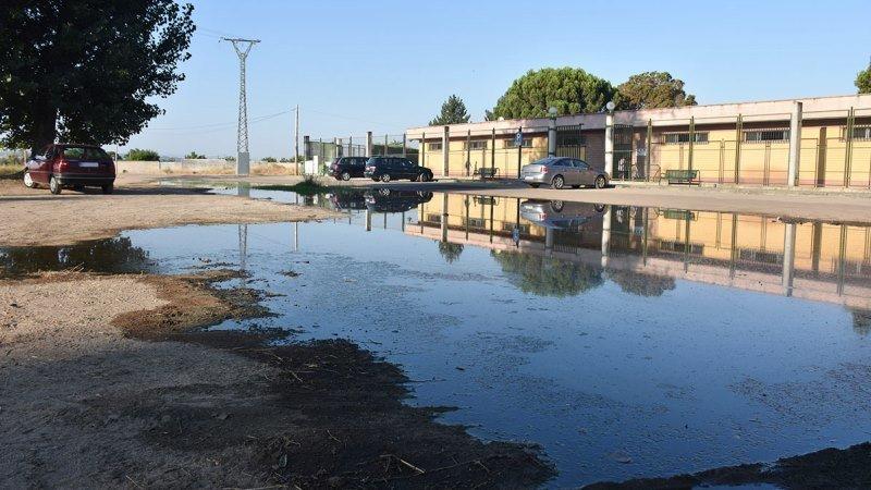Psoe talavera pide mejorar el acceso a la piscina del for Piscinas talavera