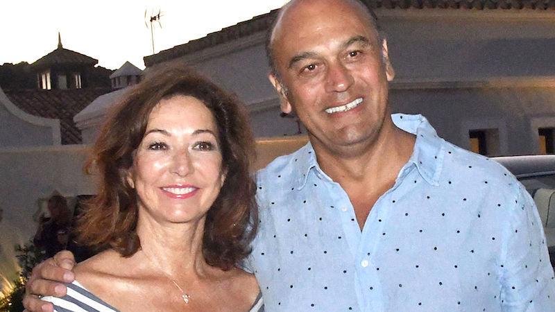 Ana Rosa Quintana destrozada y hundida: la Fiscalía pide 8 años de cárcel para su marido Juan