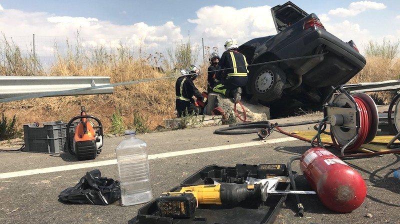 Dos muertos y cuatro heridos tras el choque de 3 vehículos en la carretera N-340