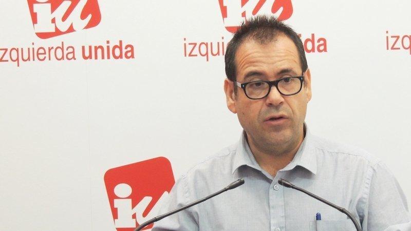 IU apuesta por la gestión directa del transporte sanitario tras