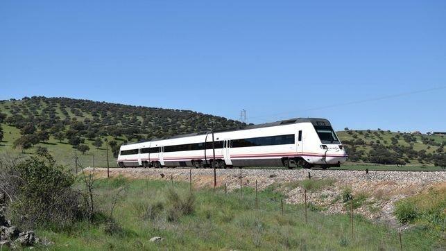 Los PGE de 2022 contemplan 6,5 millones para la línea Madrid-Extremadura en Toledo