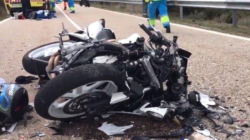 Muere un hombre tras sufrir una caída con la moto que iba conduciendo en carretera