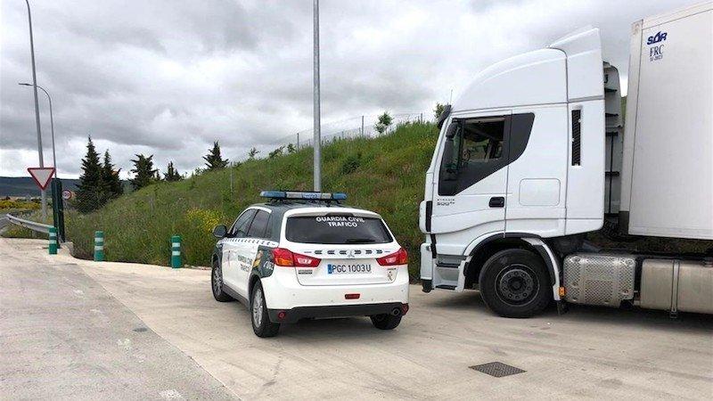 Interceptado un camionero que quintuplicaba la tasa máxima de alcoholemia en autovía