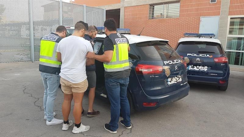 Seis detenidos por falsificar solicitudes de asilo para colombianos en España