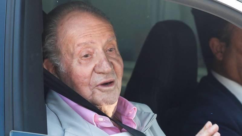 El rey emérito Juan Carlos I pierde los papeles con su chofer: le atiza y lo graban en vídeo
