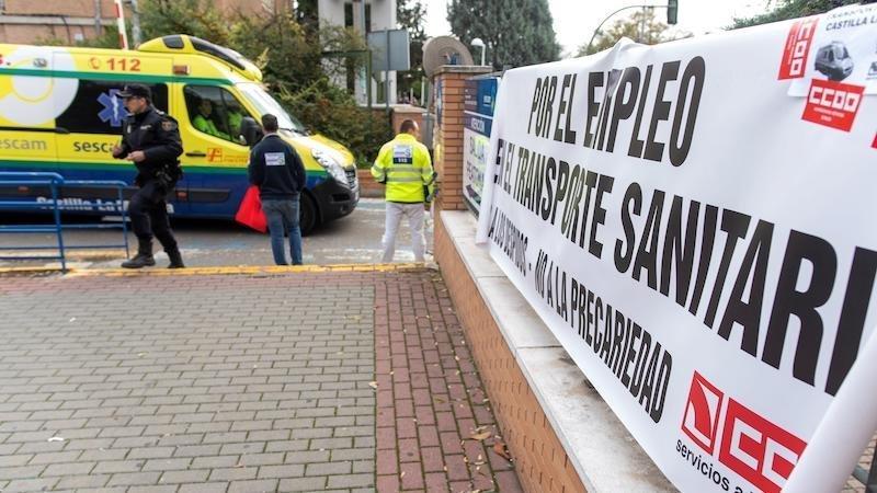 Denuncian los primeros despidos en el transporte sanitario tras 48 horas de huelga