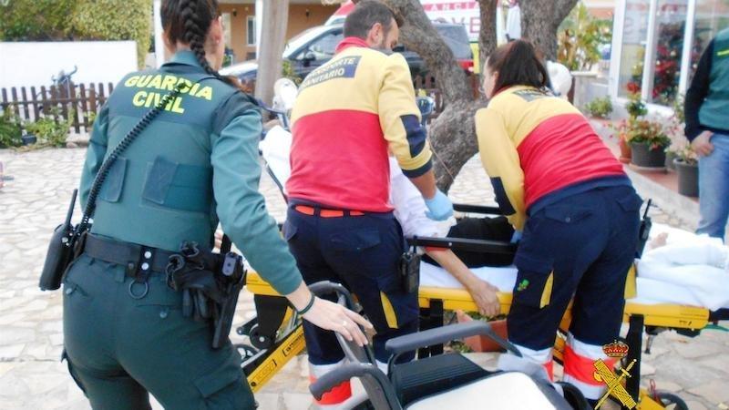 Mueren una mujer y un hombre en un atropello con un vehículo implicado en una calle
